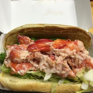 McD LobsterRoll-2